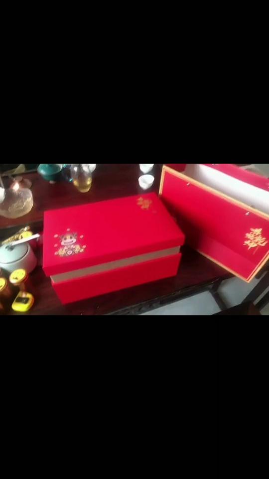 过年回家送长辈的礼物,高颜值牛转乾坤的金牛双罐茶叶罐红色礼盒